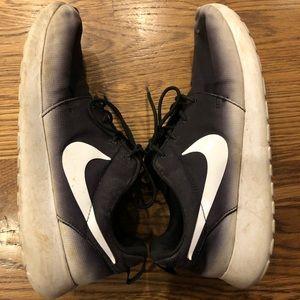 Nike Roshe Black Ombre Size 9